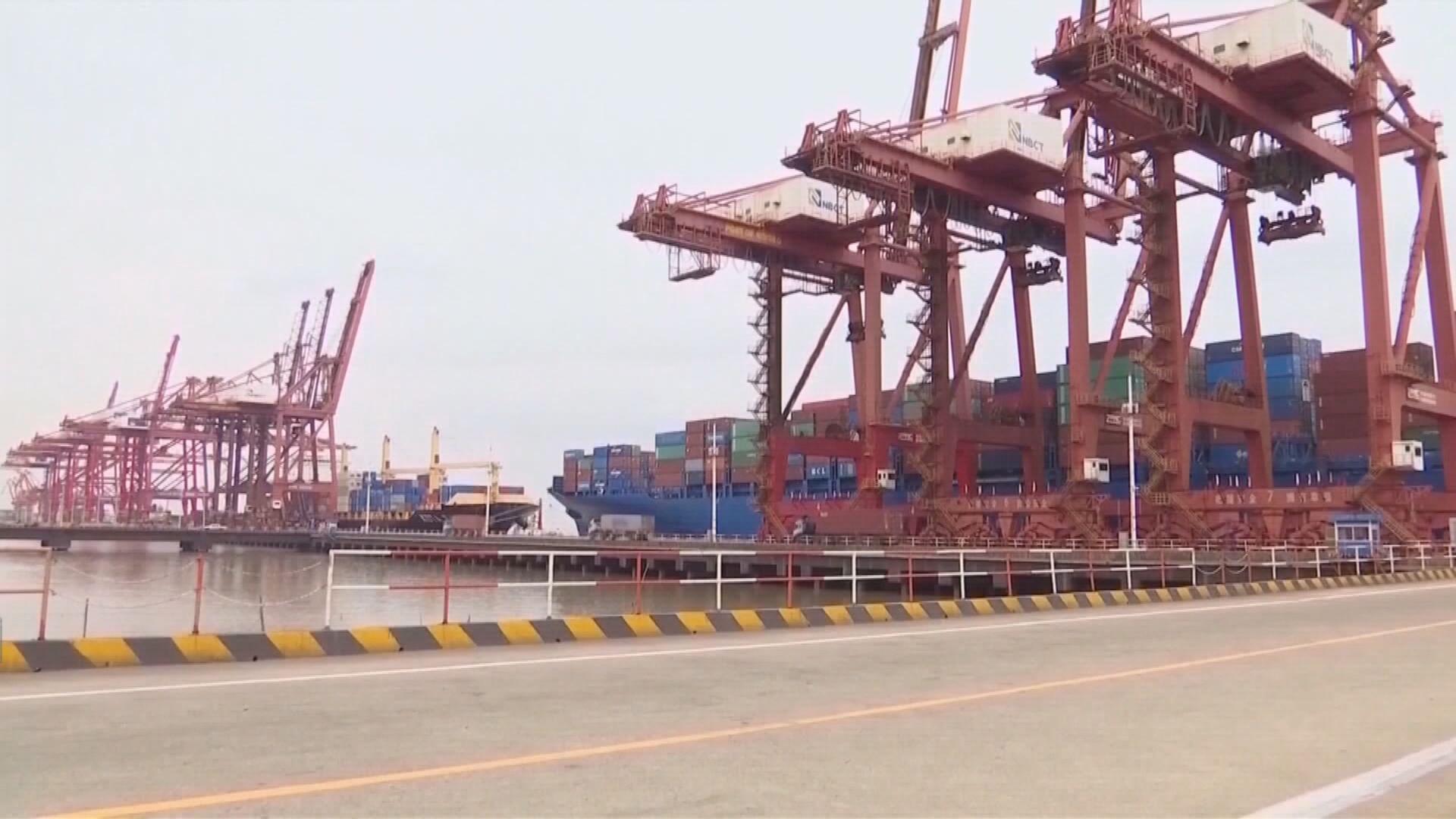 中國8月出口意外下跌1%