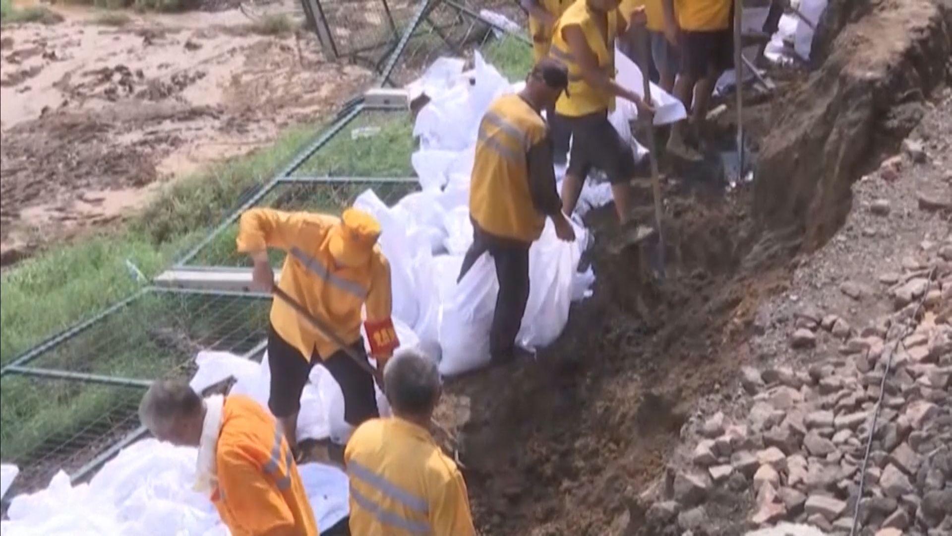 河南水災增至63死逾千萬人受災 鄭州派人清理善後