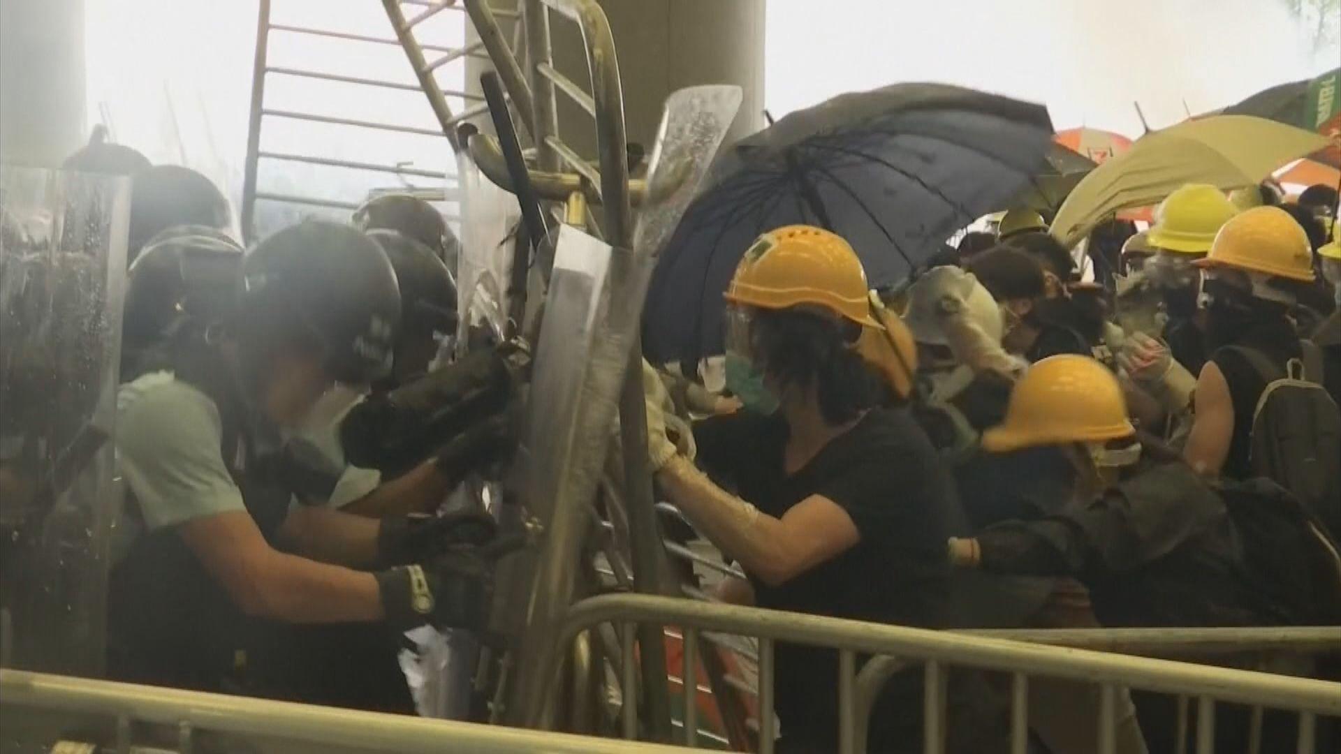 環時:香港出現騷亂令親者痛仇者快