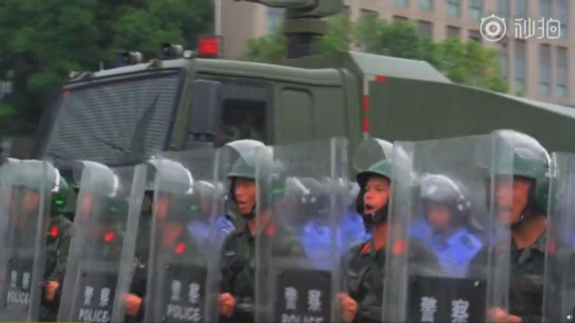 武警及公安深圳舉行防暴聯合練兵