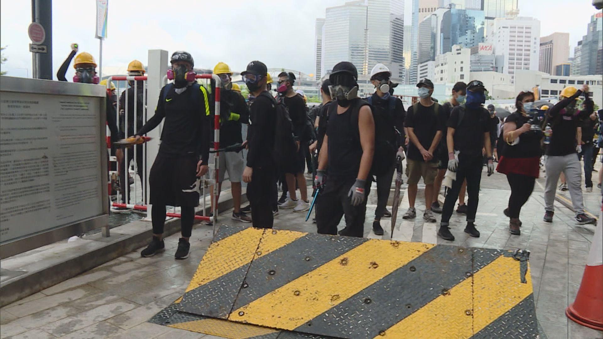 人民日報:港街頭暴力將戾氣傳染給少年兒童