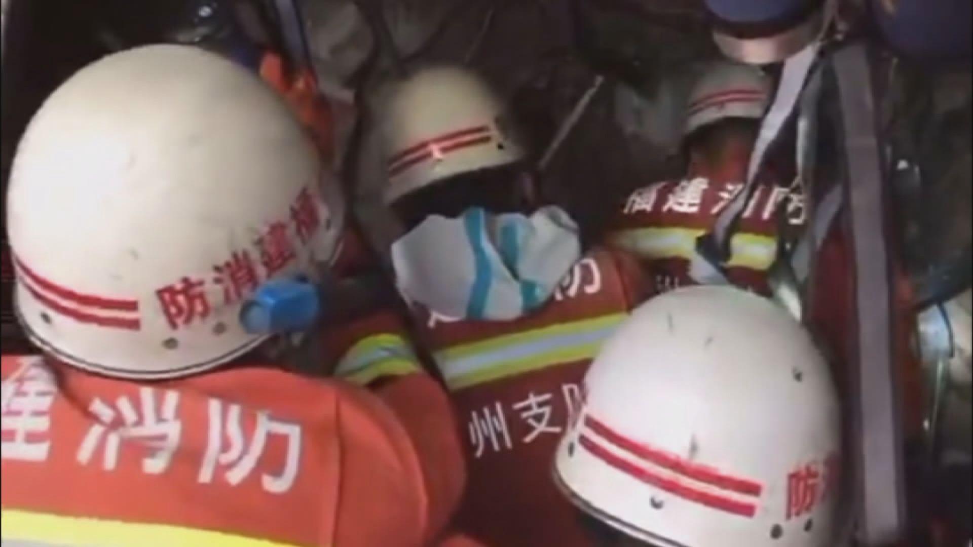 泉州倒塌酒店一名被困近七十小時的男子獲救