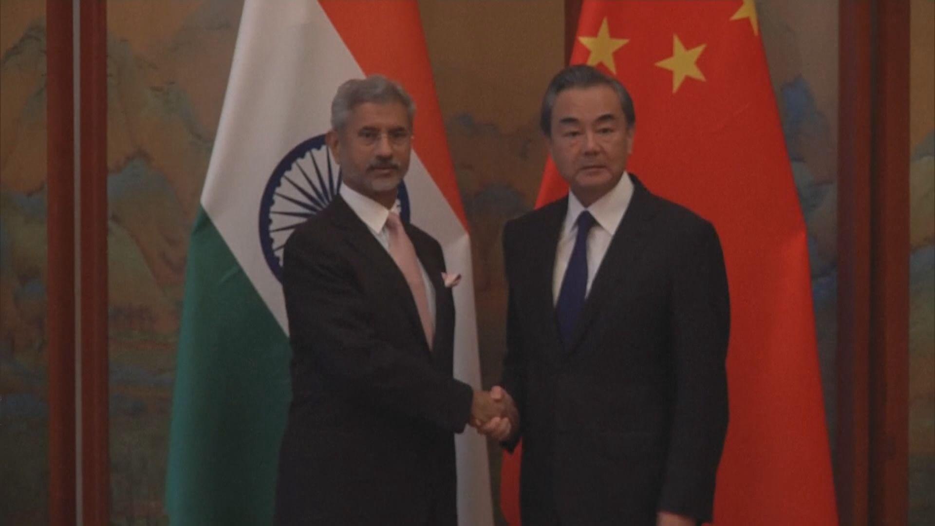 中印外長通電話談兩國關係