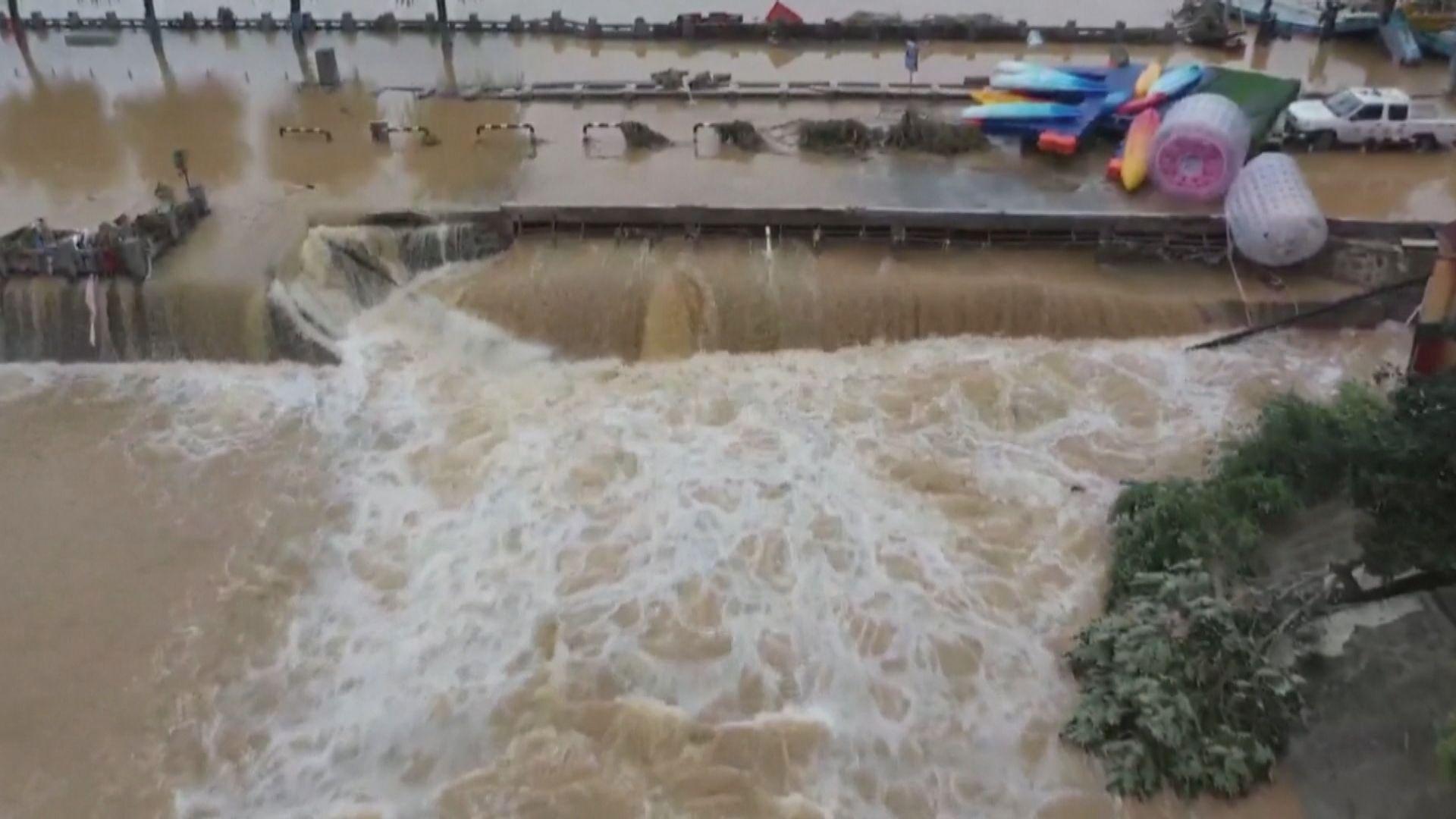 河南暴雨成災多區有房屋倒塌 疏散逾16萬人