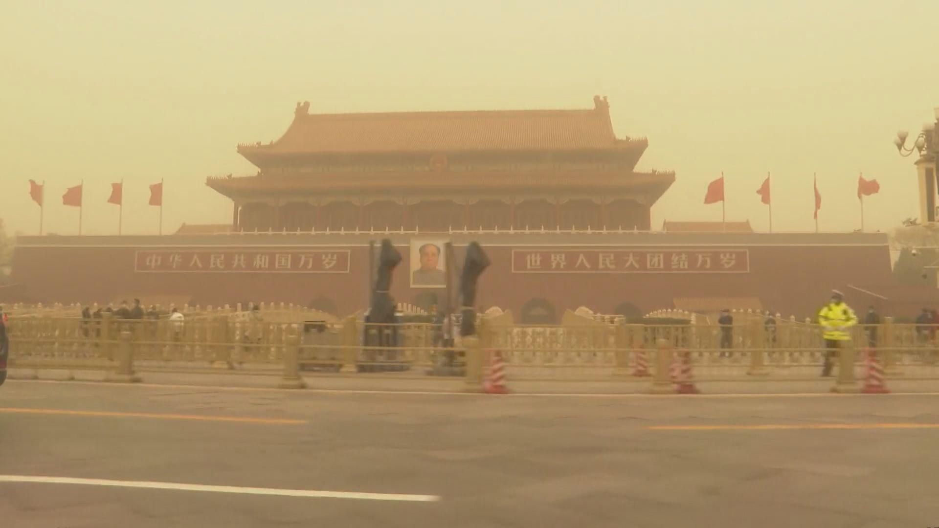 沙塵暴襲北京新疆內蒙等12省市 多市空氣污染超標