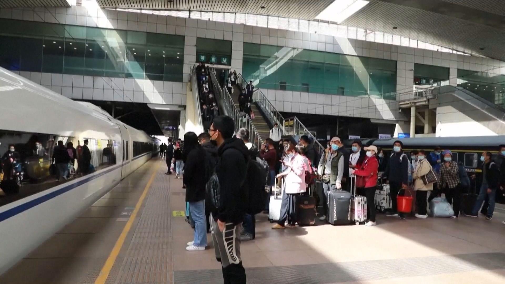 內地五一假期火車票周六開售 業界料2億人次出遊