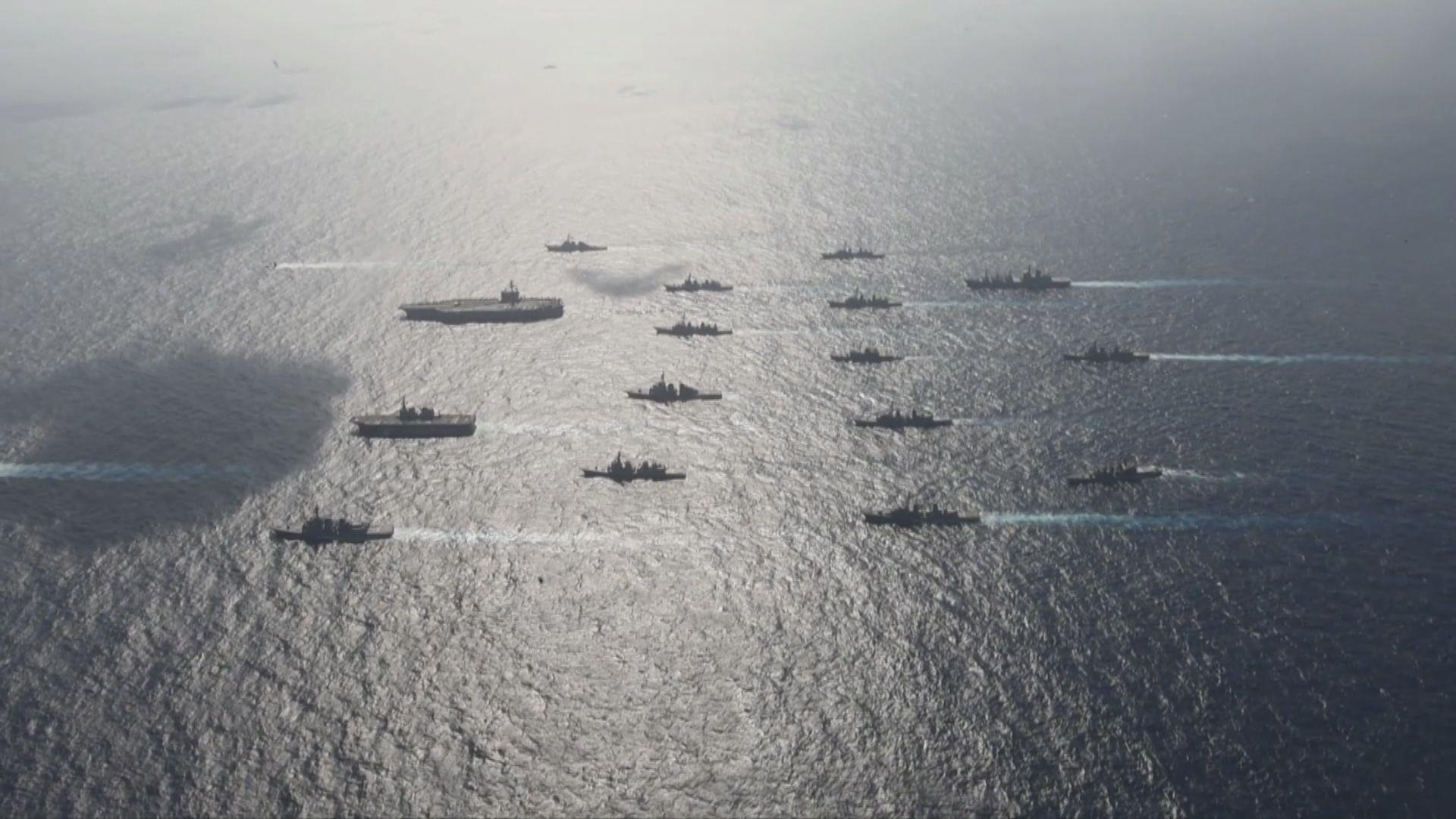 美軍兩個航母戰鬥群在菲律賓海演習