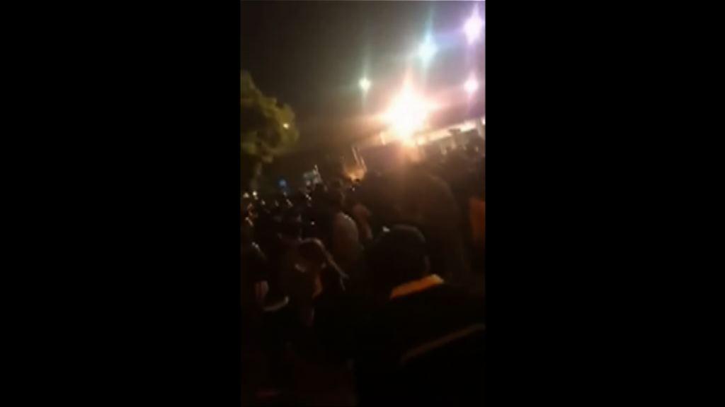 蘋果代工廠工人示威抗議拖欠獎金