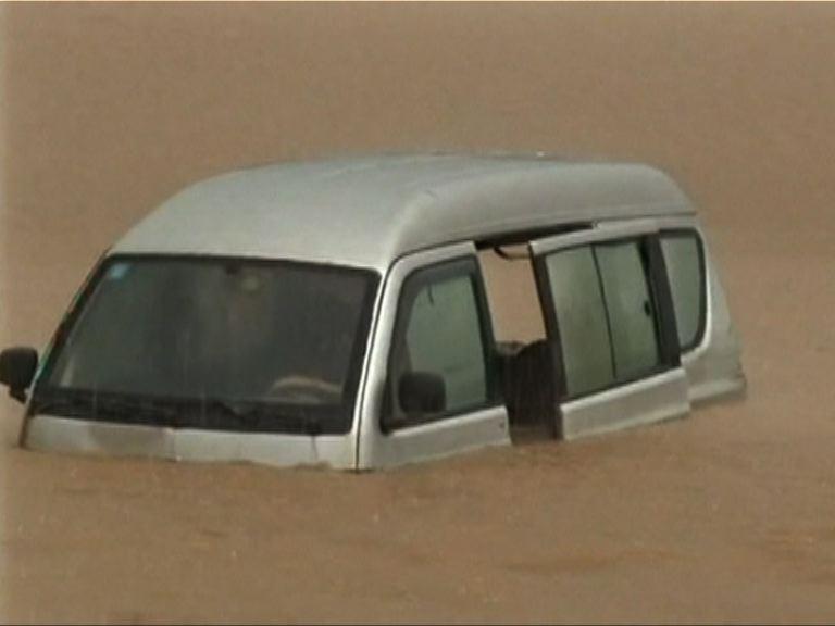 華南持續暴雨多地嚴重水浸