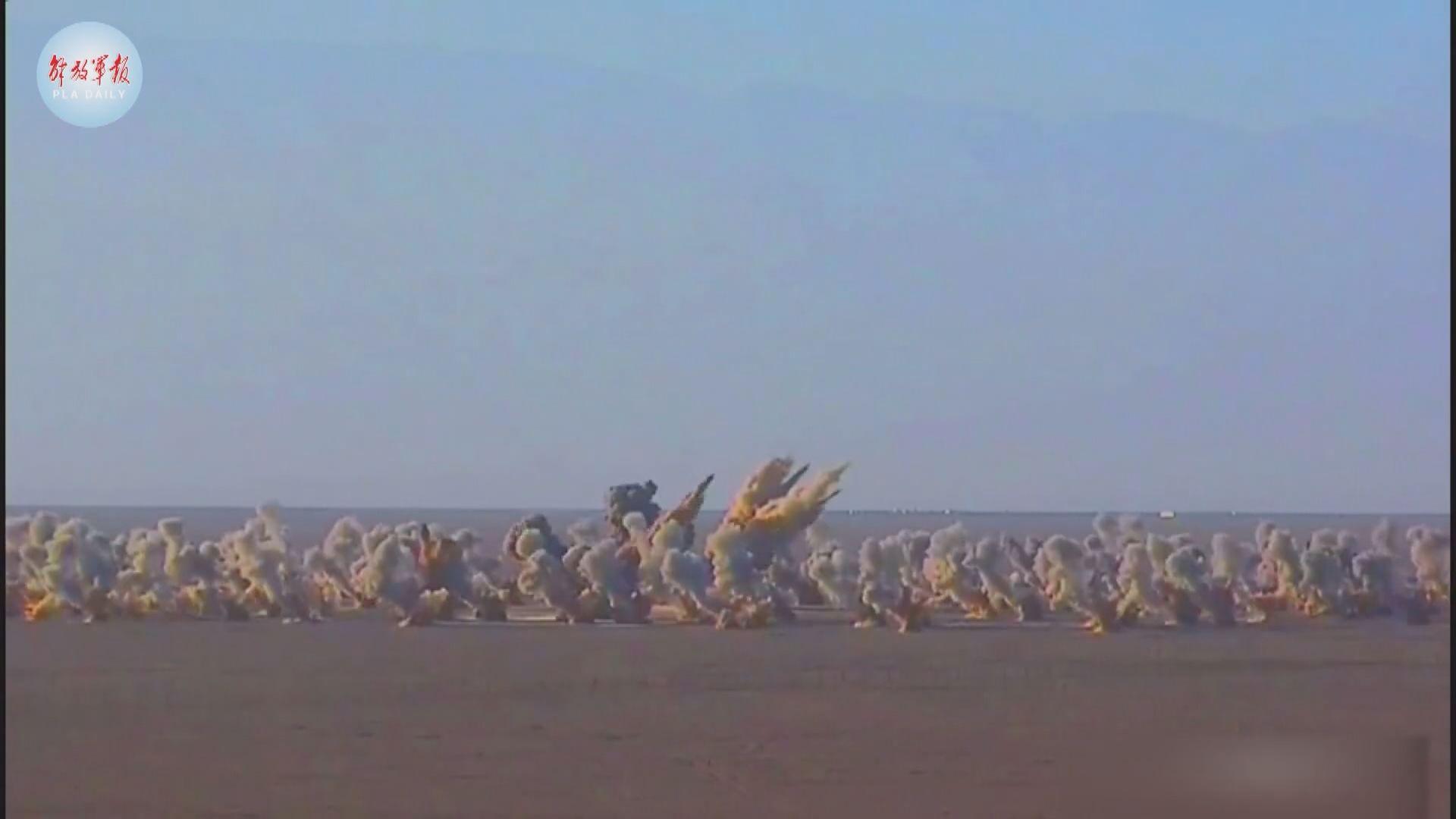 解放軍疑發射東風11導彈 模疑摧毀敵方陣地
