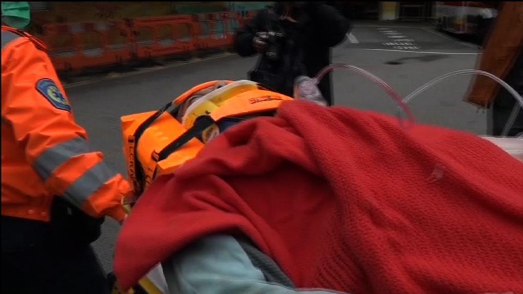 尖沙咀棚架倒塌兩名工人受傷