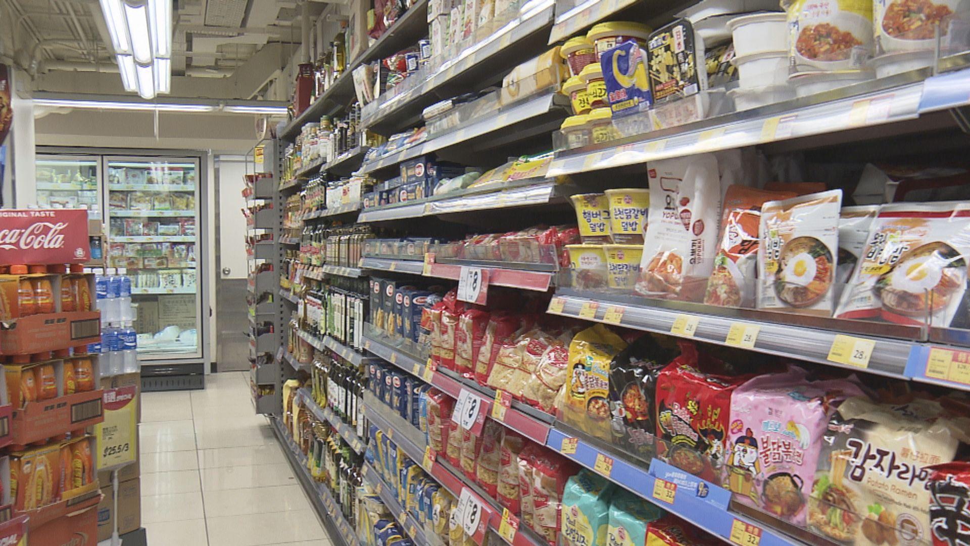 兩大超市罐頭售價去年平均增近兩成