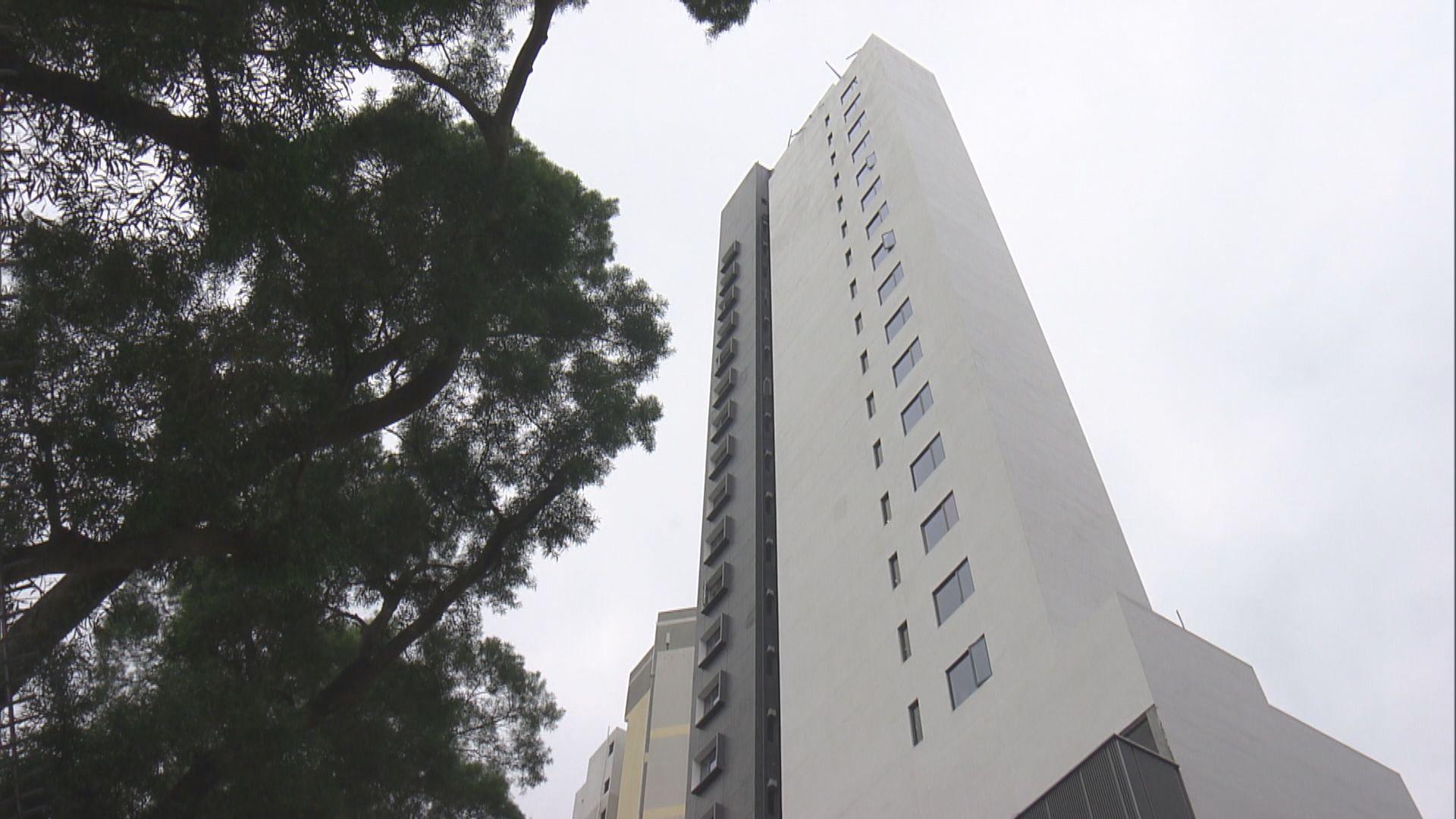 張建宗︰大埔青年宿舍收約九百份申請