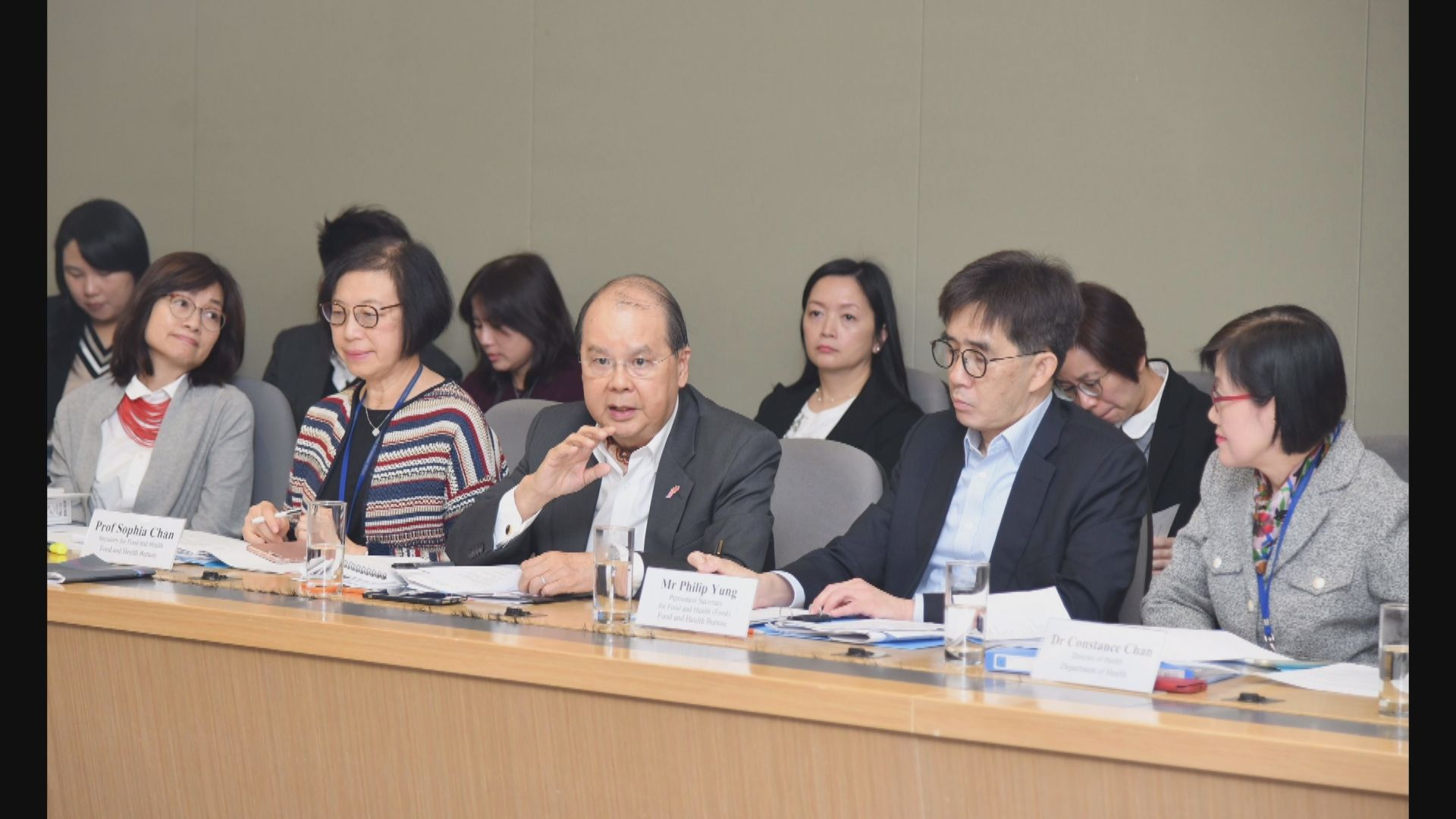 張建宗:政府以最大決心努力與市民打「抗疫戰」