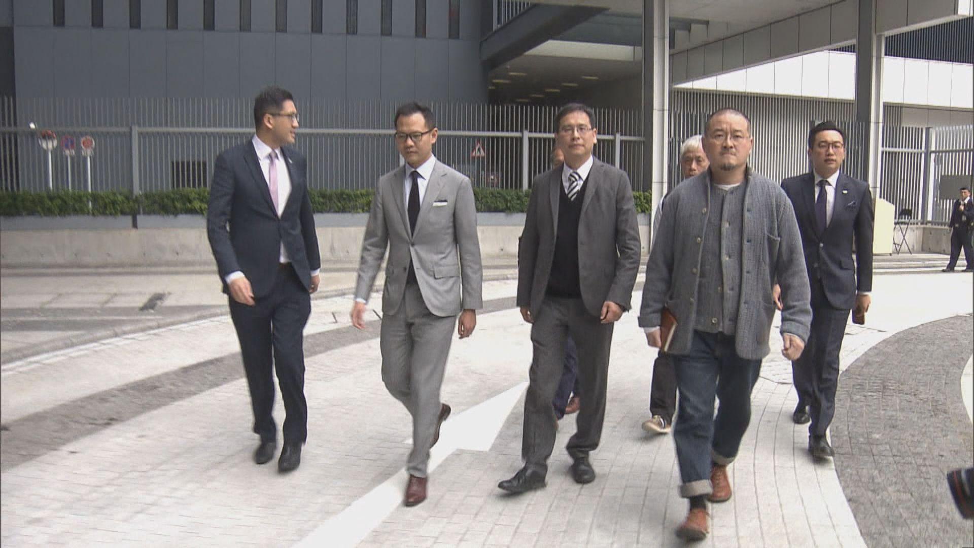 民主派:林鄭拒允全面擱置收緊長者綜援申領