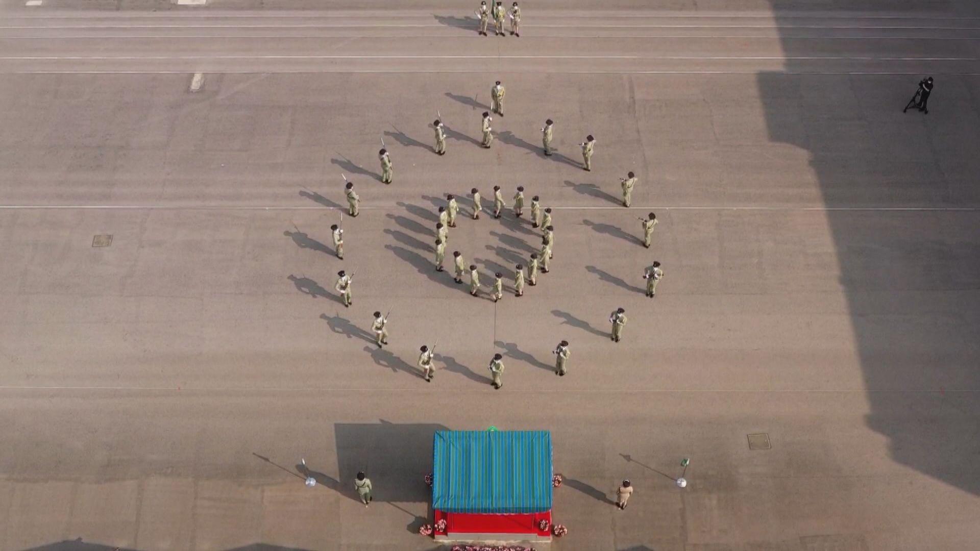 海關中式步操舉行結業操 鄧以海:已將港區國安法加入課程