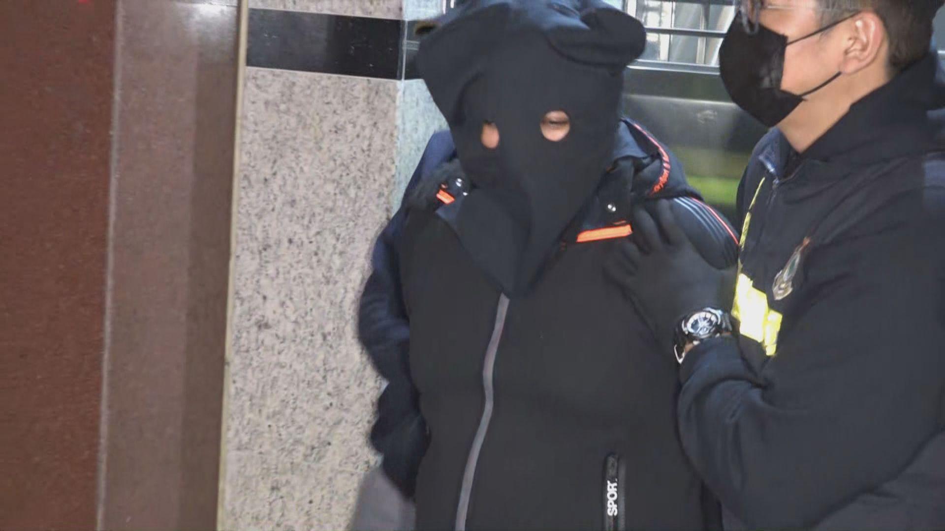 海關機場檢兩個載冰毒郵包拘一人