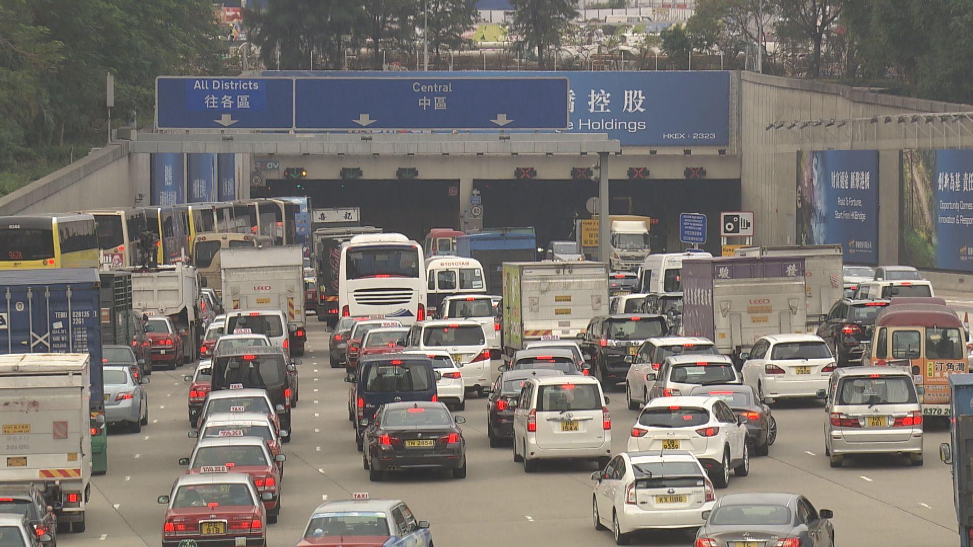 陳恒鑌倡三隧按不同時段收費 繁忙時間較貴
