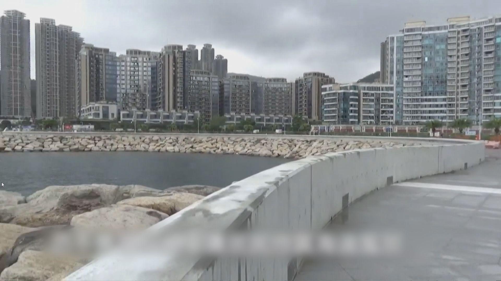 黃偉綸:已加固防波堤等應對風季