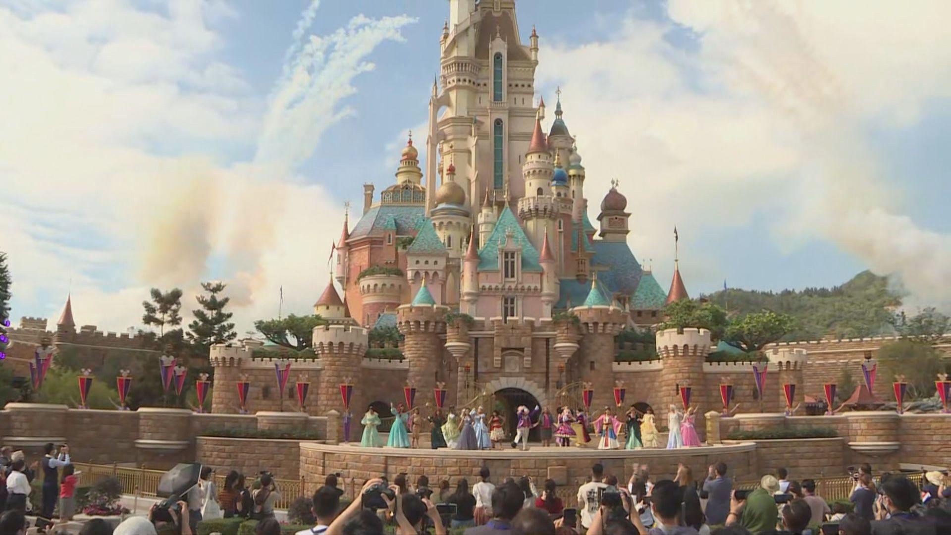 香港迪士尼樂園城堡經翻新後重開