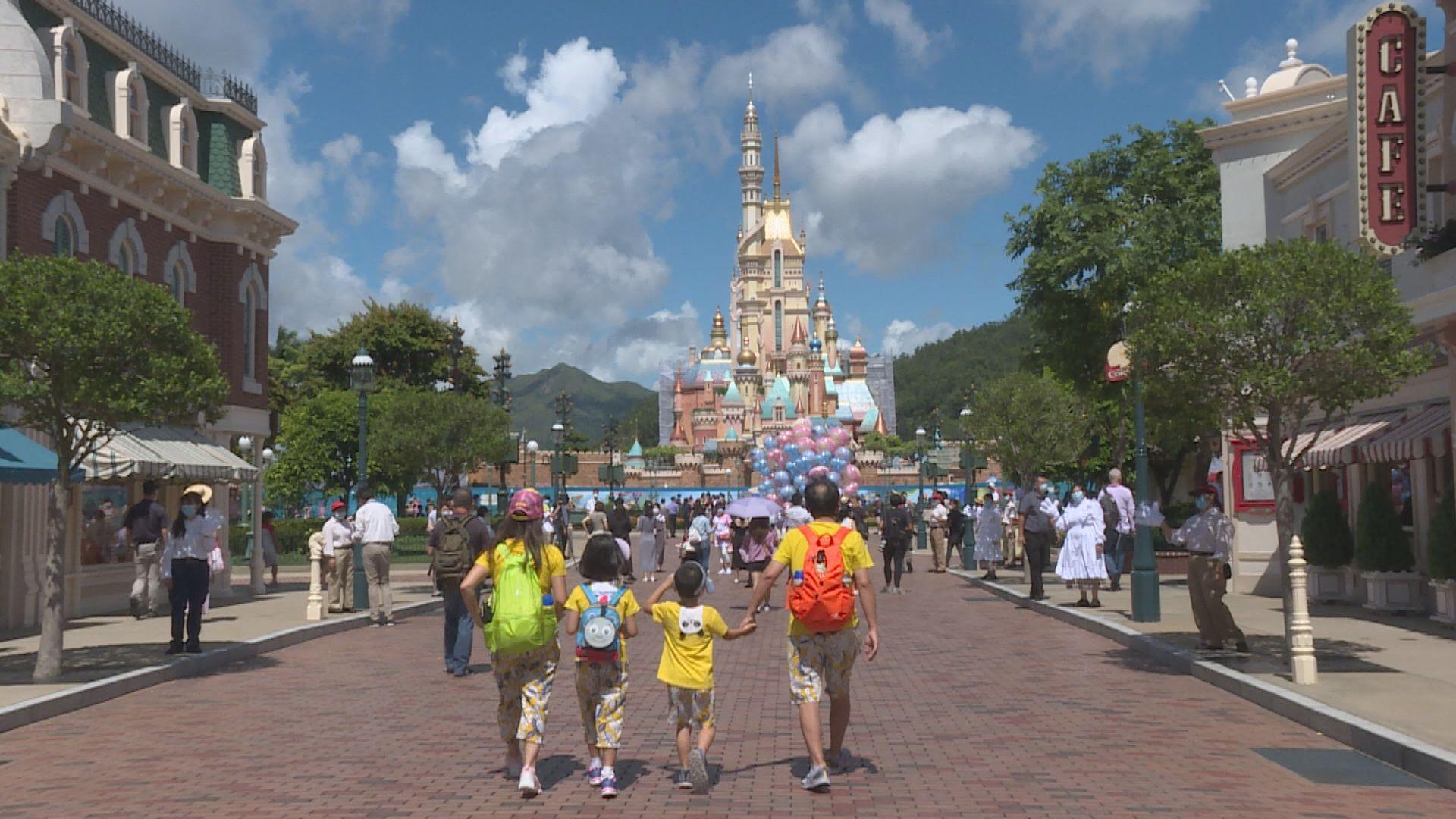 香港迪士尼2020財年收入跌逾七成 淨虧損約27億