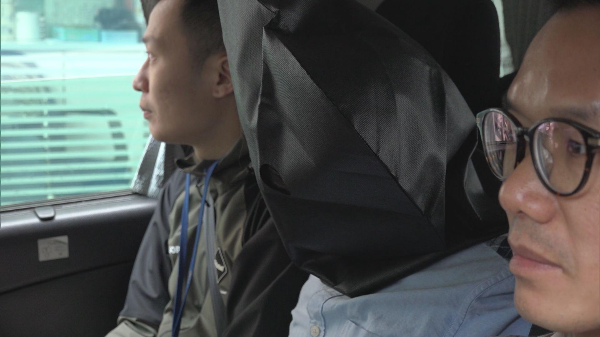 警方機場拘兩男 檢逾六百萬元毒品
