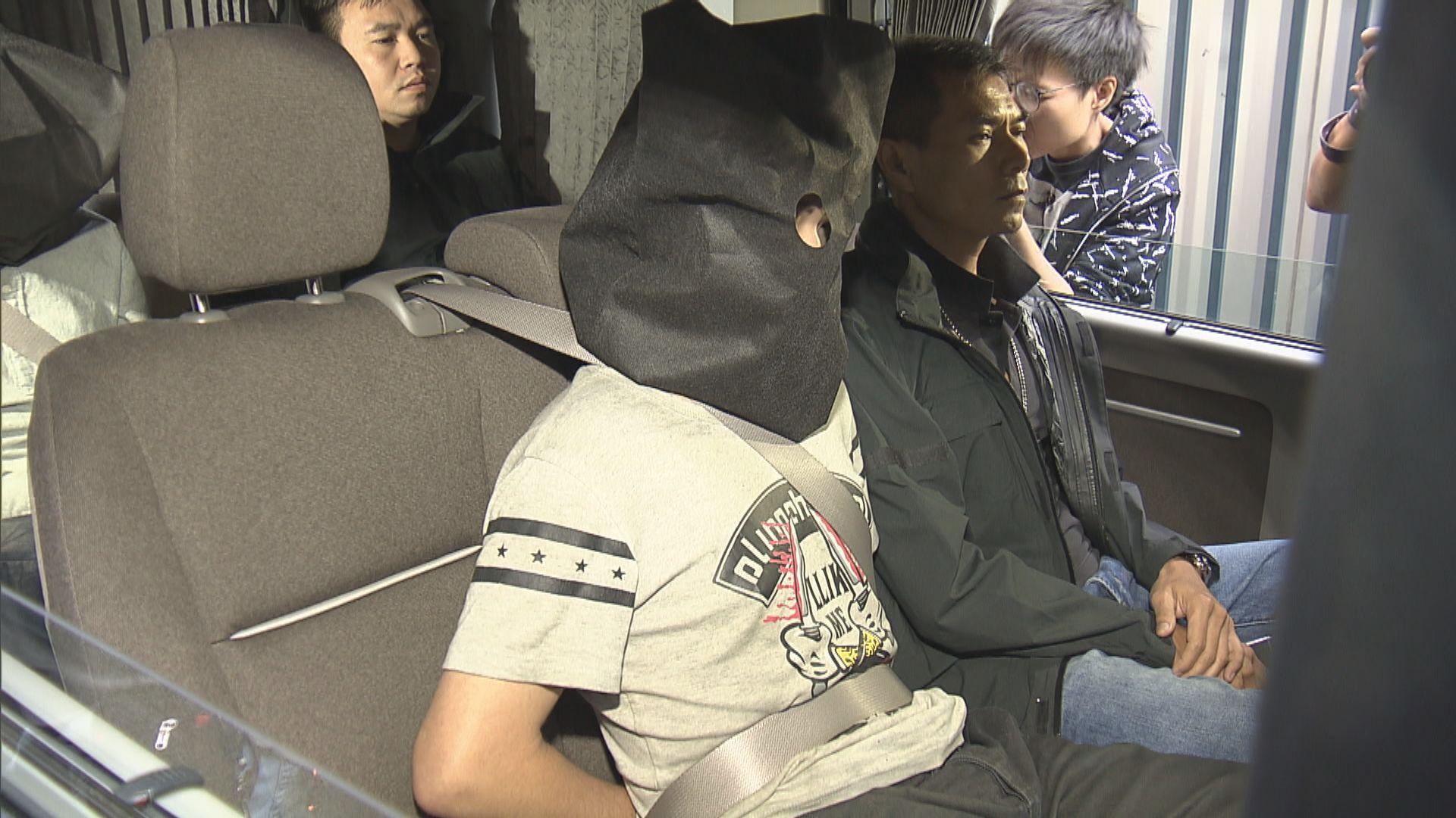 警方荃灣拘三人檢市值360萬元海洛英