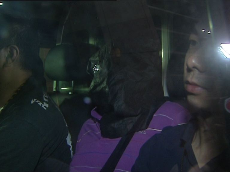 警方葵涌拘兩漢檢190萬毒品