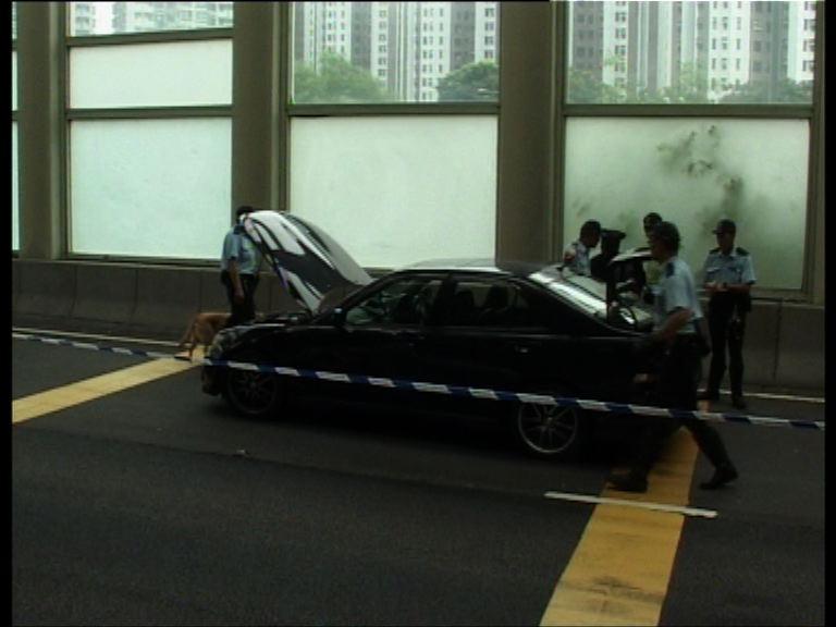 警截查可疑私家車檢毒品拘兩人