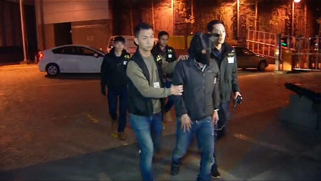 警方大埔搗大麻種植場拘兩男子