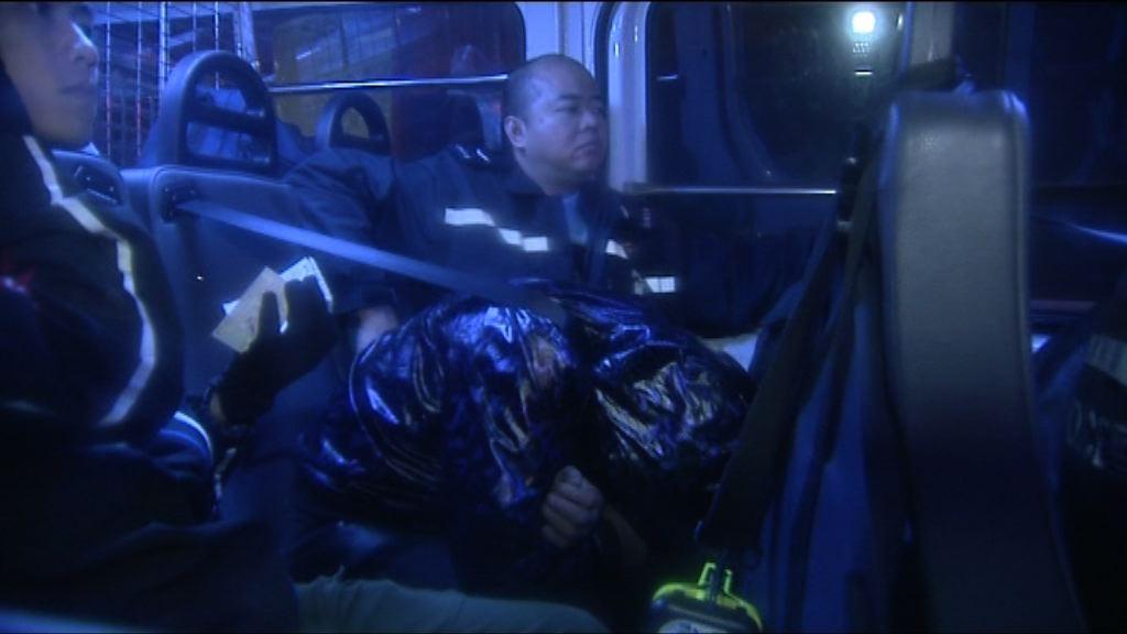 警油麻地截可疑車拘三漢檢毒品