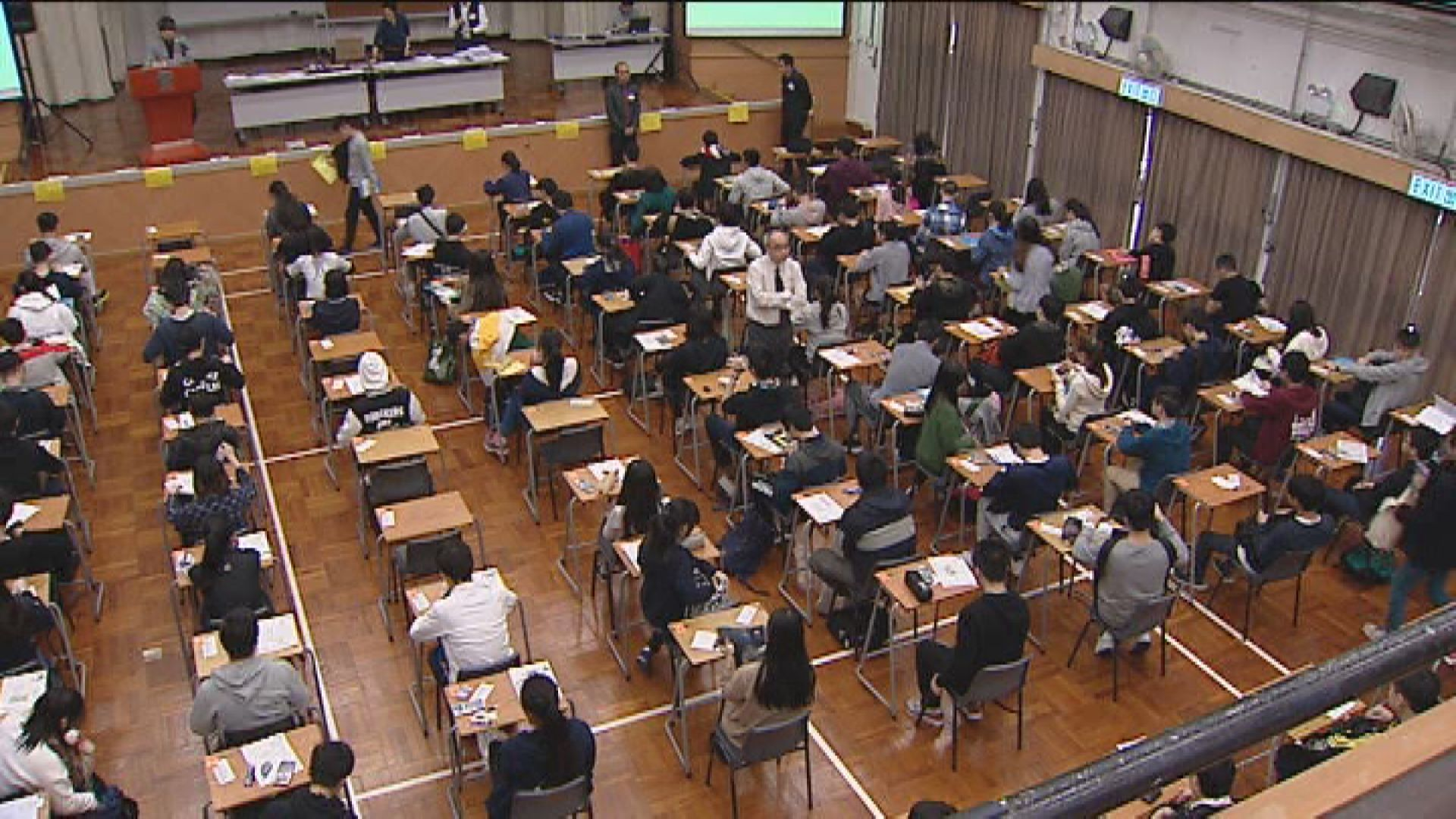 楊潤雄︰文憑試考生互相感染機會很低 適合如期開考