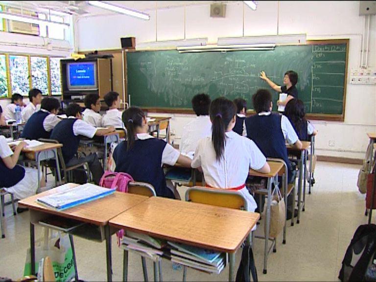 吳克儉:以英語授課中學未來6年不變