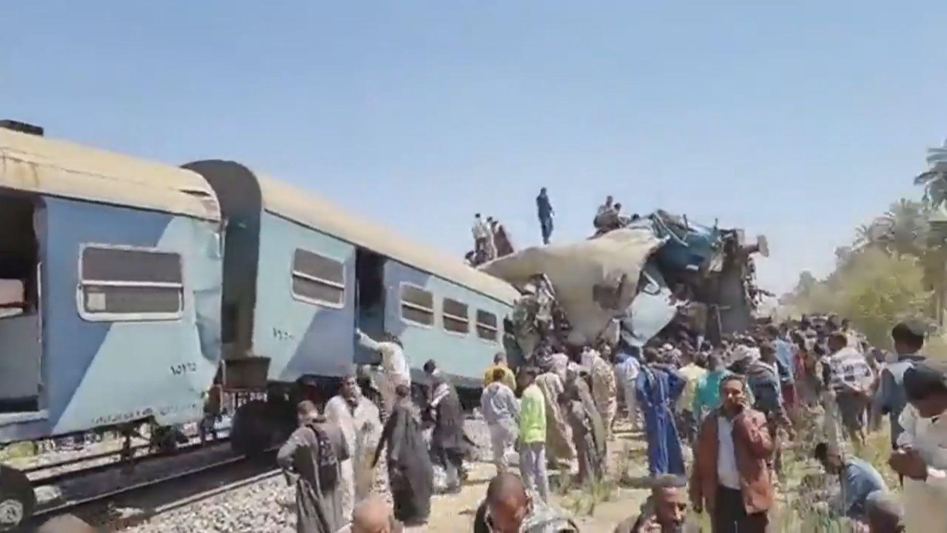 埃及有火車相撞釀逾百死傷