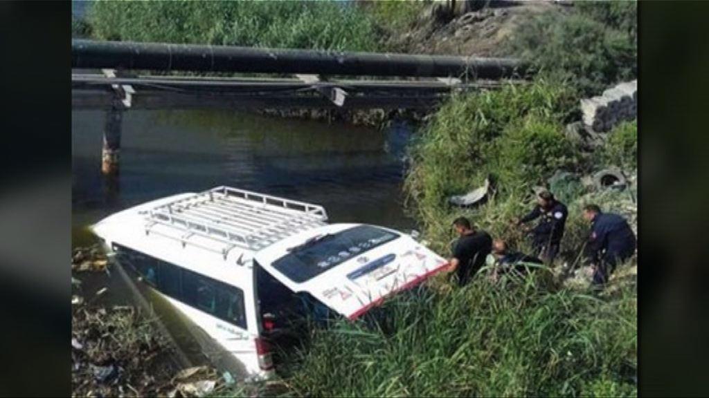 中國遊客埃及遇車禍三死多人傷