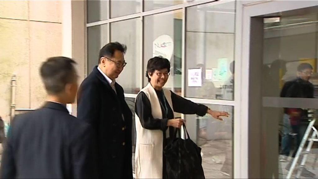 選管會主席馮驊巡視票站