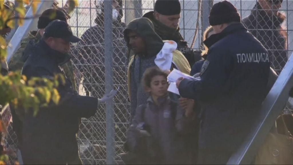 馬其頓嚴審資格 大批難民滯留希臘