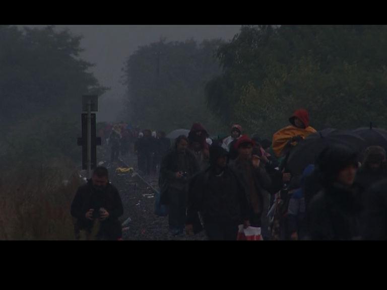 丹麥放棄阻截難民過境往北歐