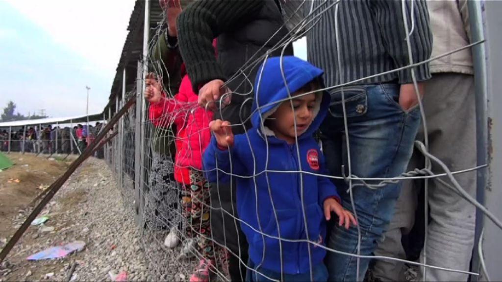 大批難民滯留希臘北部邊境