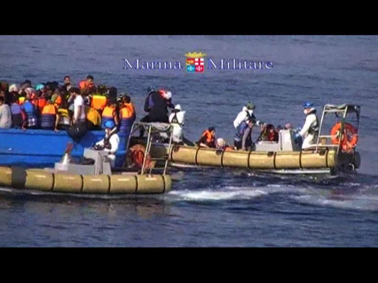 意海軍於偷渡船發現最少40具屍體