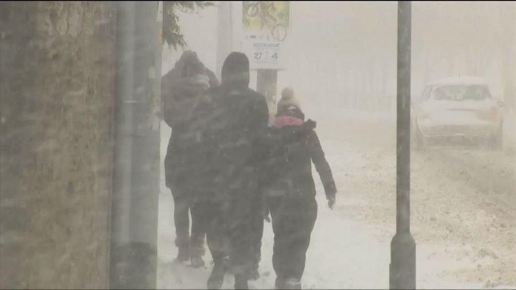 英國受寒流及風暴侵襲交通受阻