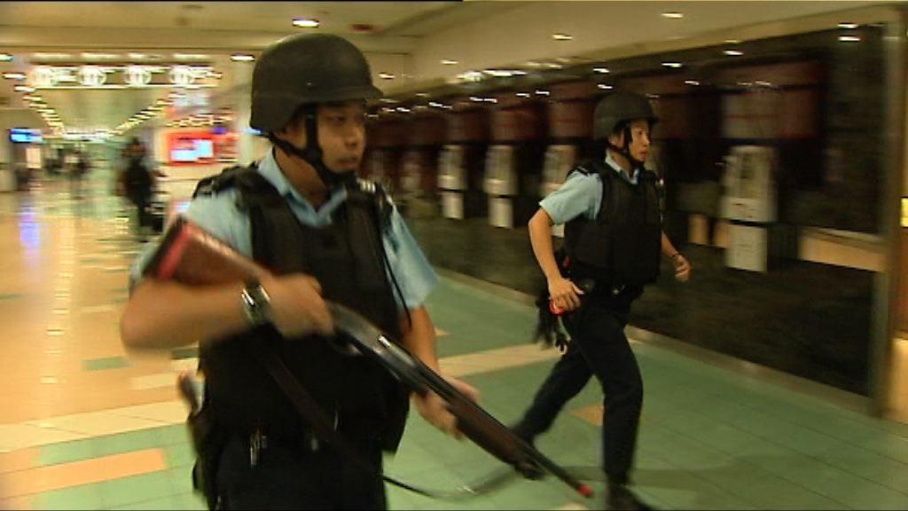 警方上環演習模擬恐怖分子劫船