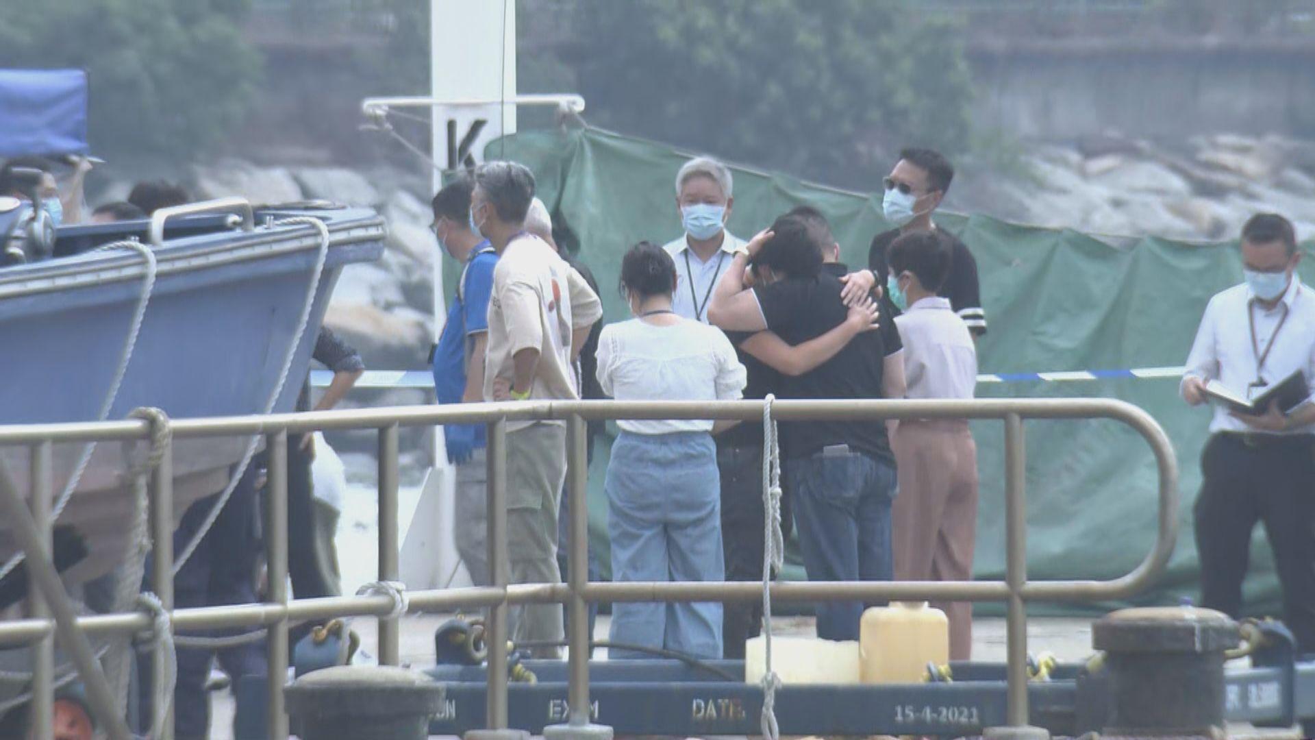 水警反走私快艇被撞翻沉女警殉職 警務處長譴責走私犯冷血