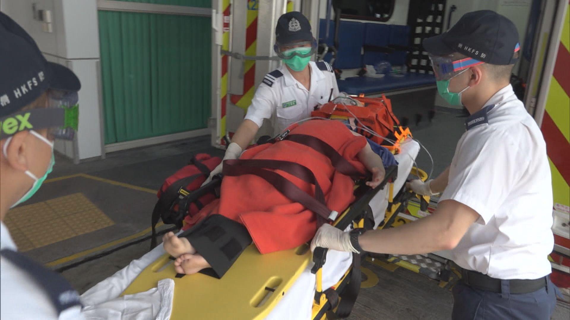 北角有一名6歲男童墮樓受傷