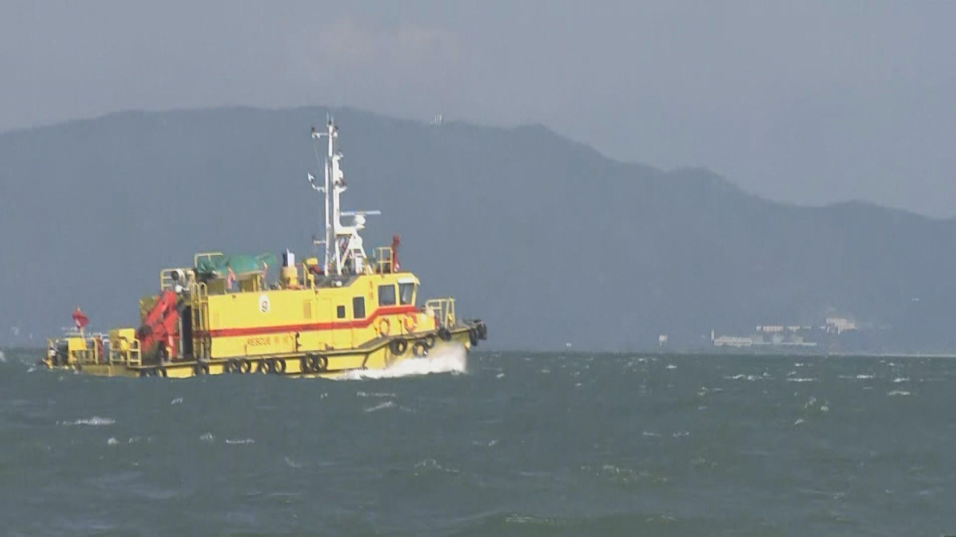 蕭澤頤到醫院探望受傷水警 當局繼續搜索失蹤女警