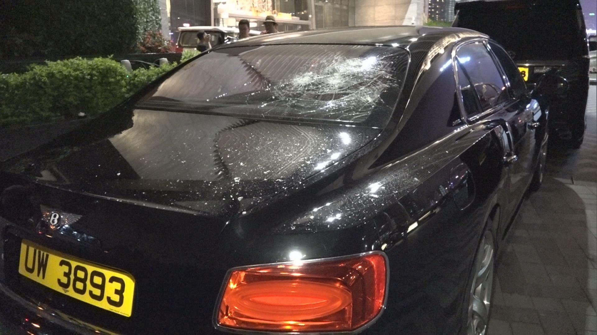 航拍機墜落擊毀私家車擋風玻璃無人傷