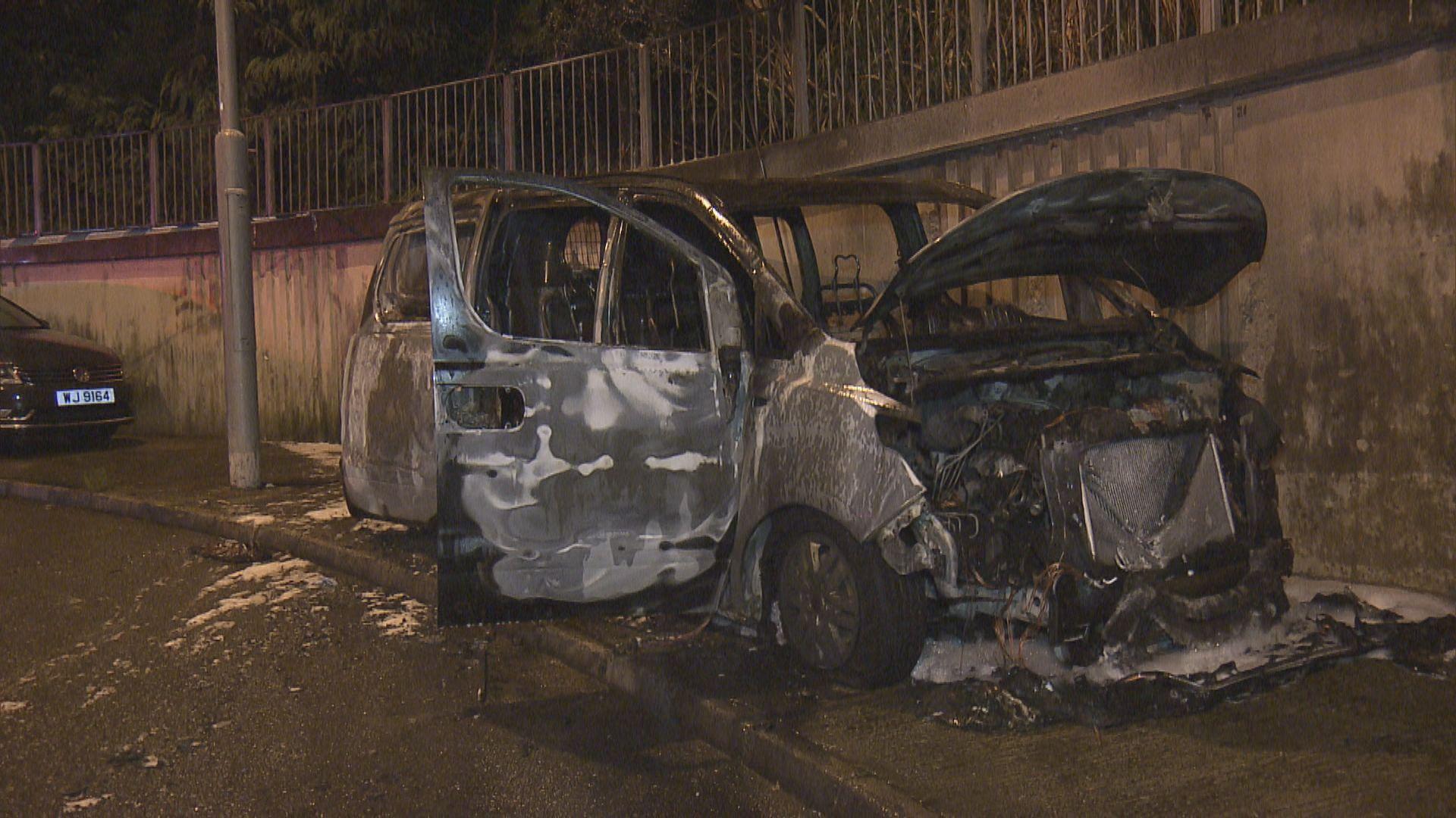 沙田博泉街客貨車遭縱火燒毀