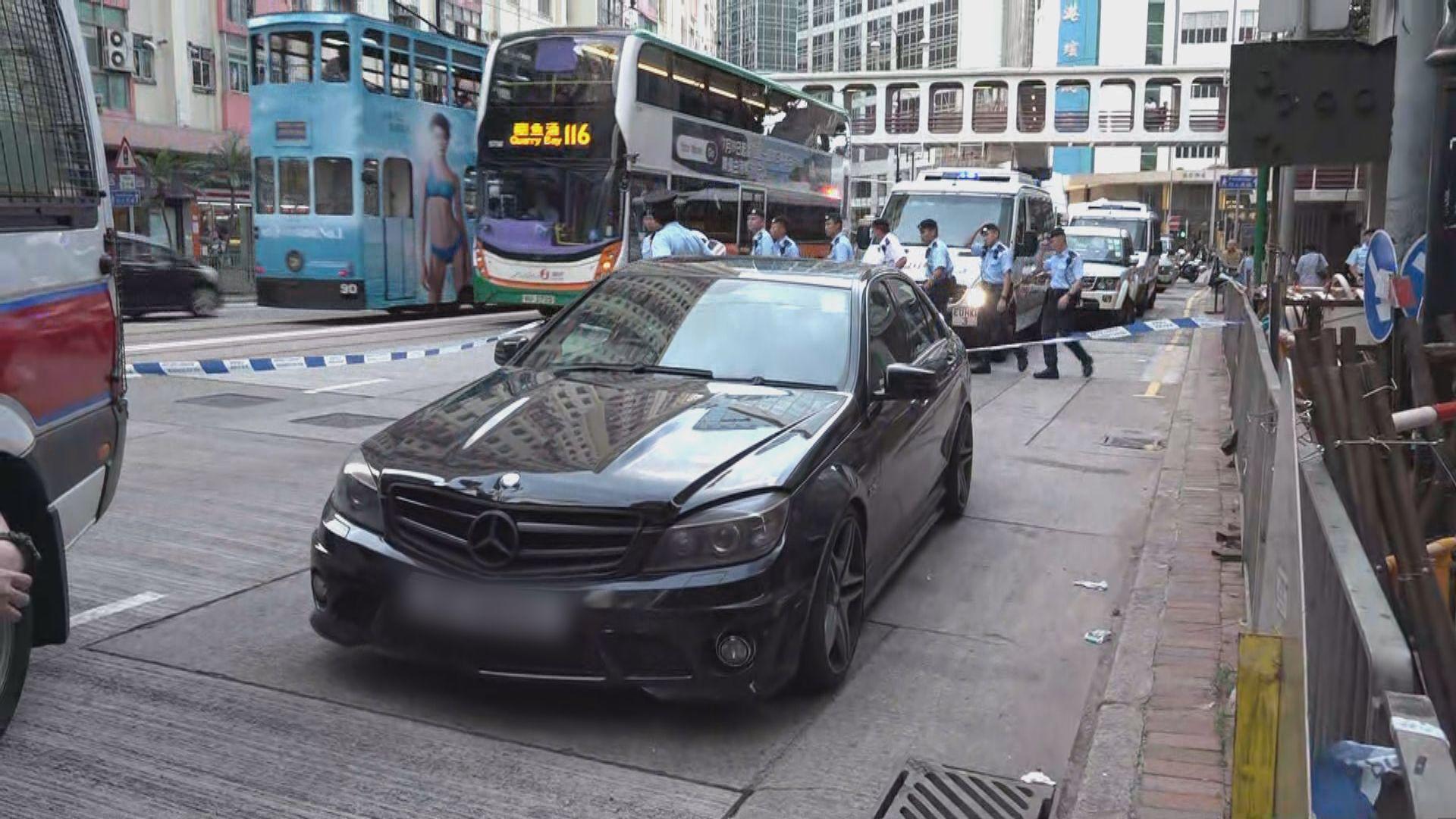 警方英皇道截獲可疑私家車