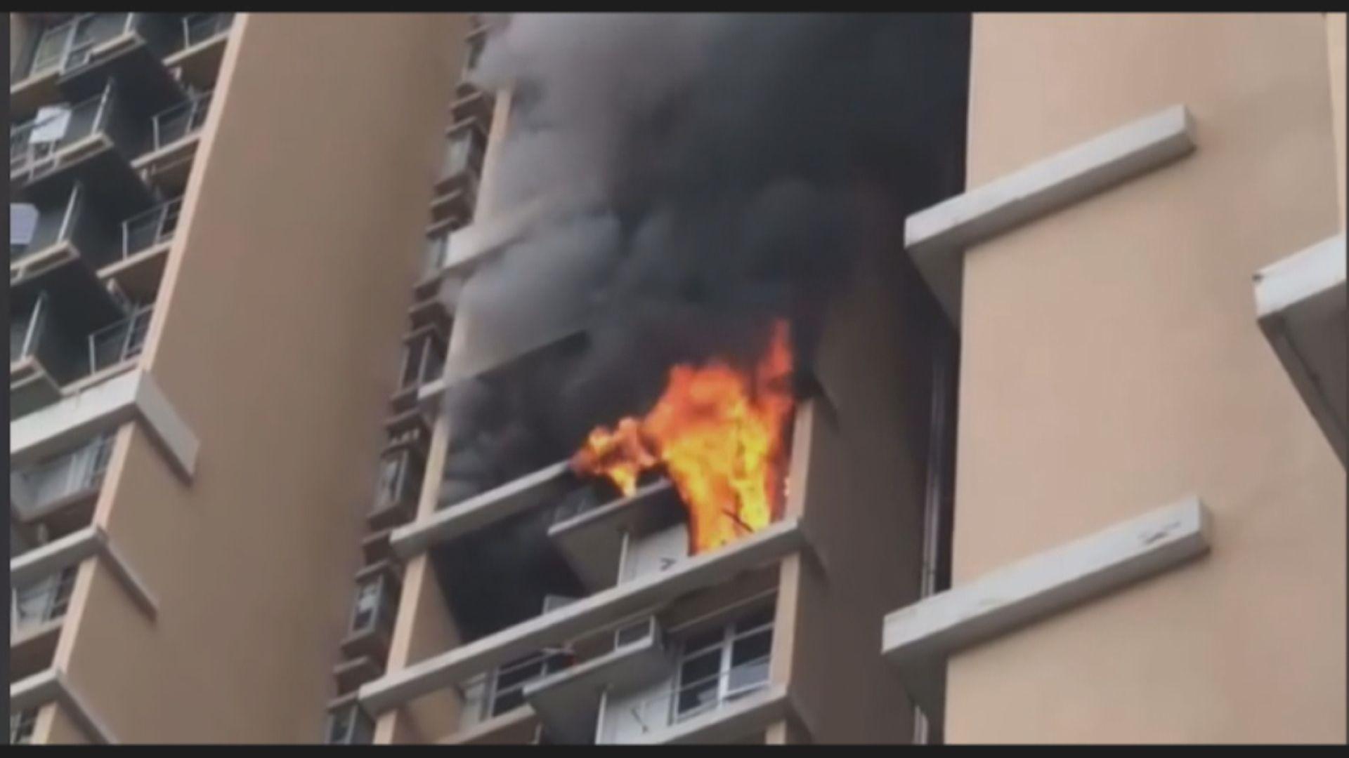 葵涌邨火警300人疏散 女戶主涉縱火被捕
