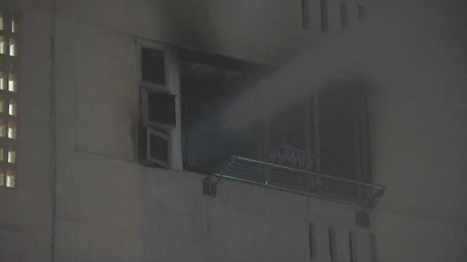 荔景邨火警多人送院逾百人疏散